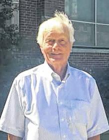Jim Entwistle (R)