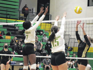Richmond volleyball falls to Pinecrest in straight sets