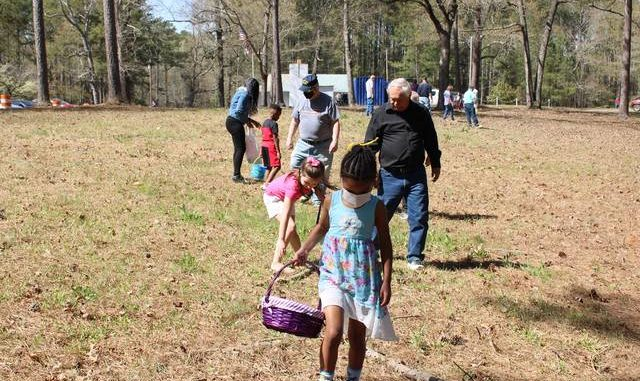 Gavin Stone   Daily Journal                                 A group of children and their families gathered at the American Legion Post 147 clubhouse on Ledbetter Lake Sunday to hunt for Easter eggs.