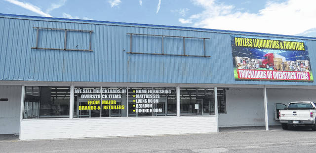 Jackpot Pallets will be in the former Big Lots building off of East Broad Avenue.                                  Matthew Sasser | Daily Journal