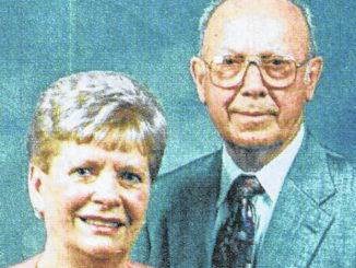 Couple celebrates 75th anniversary